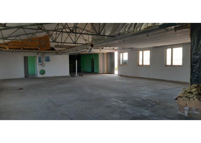 Hala produkcyjna 300 m2  dobra lokalizacja.